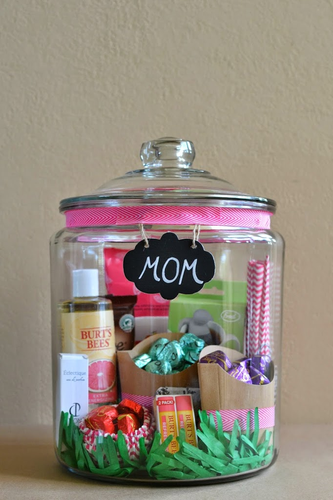 Mother's Day DIY Gift Ideas - Mother's Day in a Jar