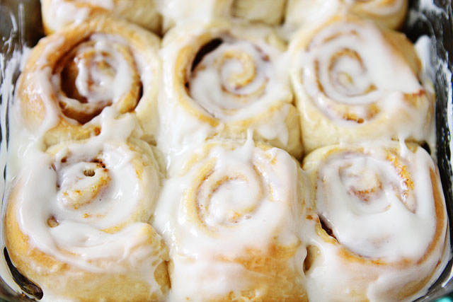 Mini Pumpkin Cinnamon Rolls-Best Pumpkin Dessert Recipes