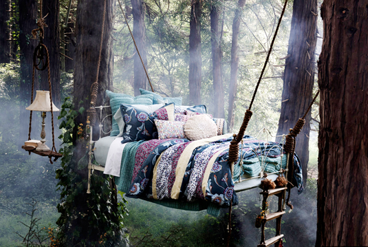 Outdoor Living Ideas - Outdoor Bed